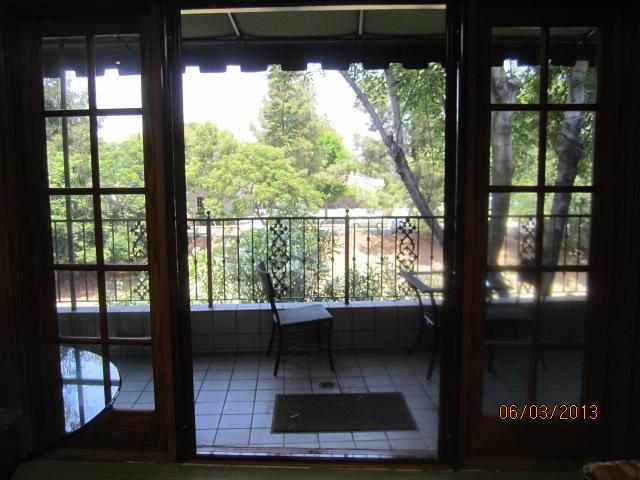 Retractable Screen Doors in Sherman Oaks