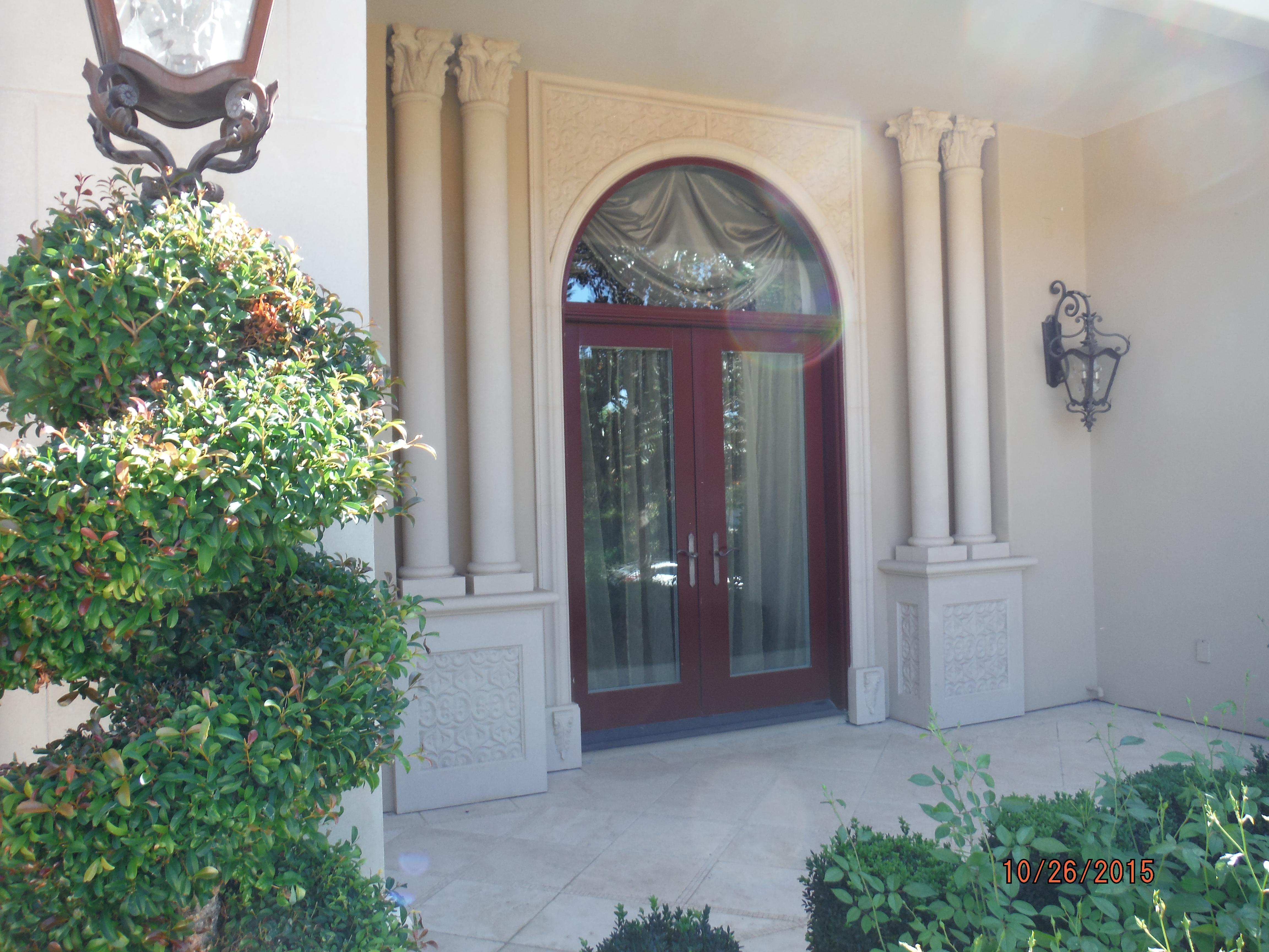 Calabasas High End Retractable Screen Doors